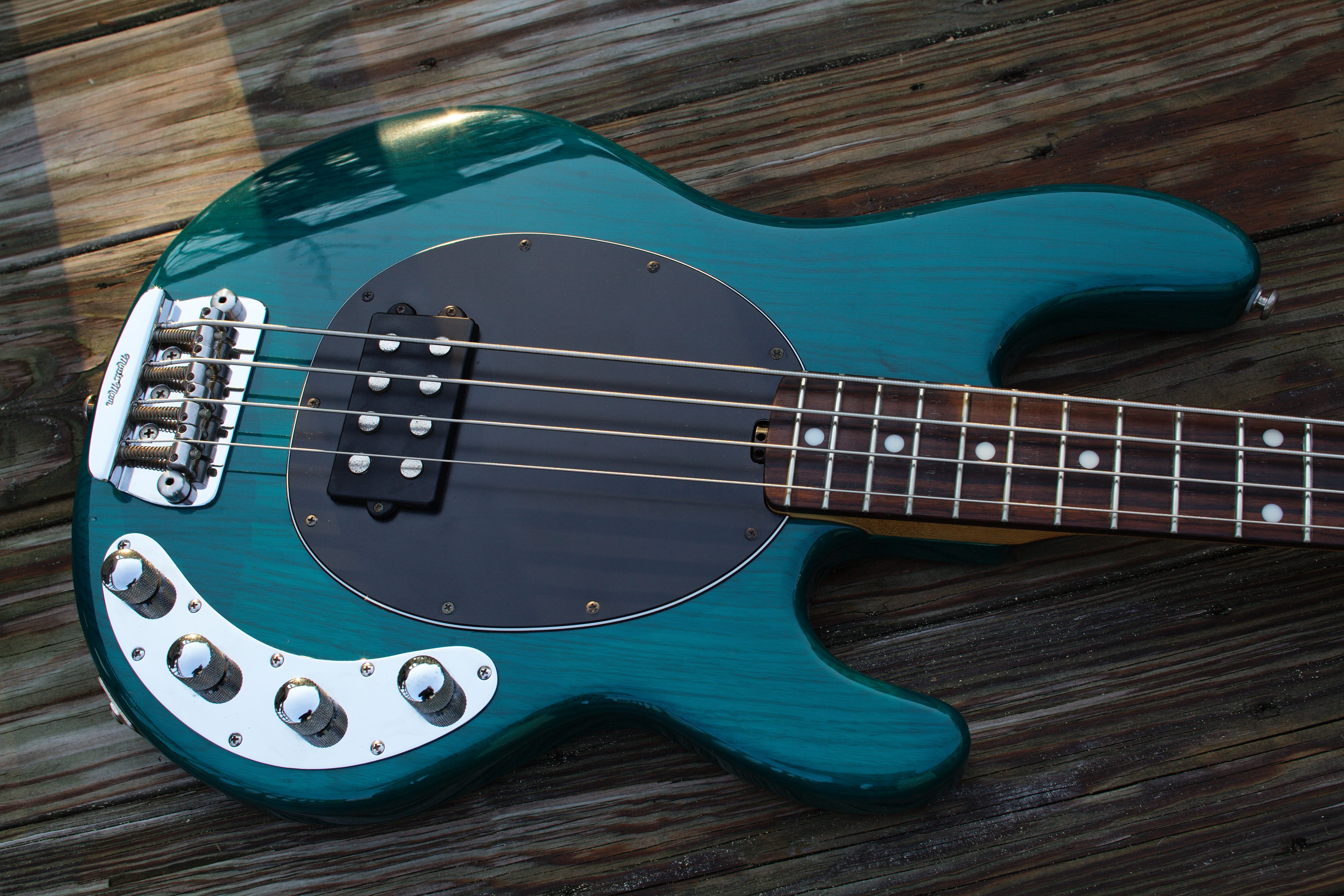 Ernie Ball Music Man - Dating music man stingray review
